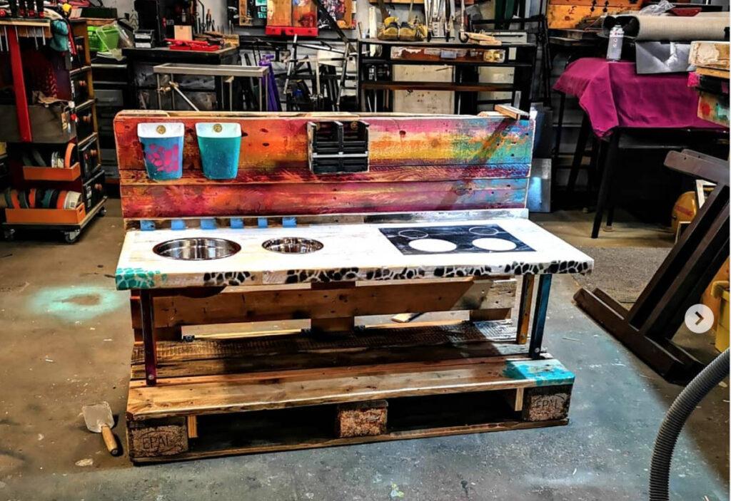 Werkstatt mit Möbeln