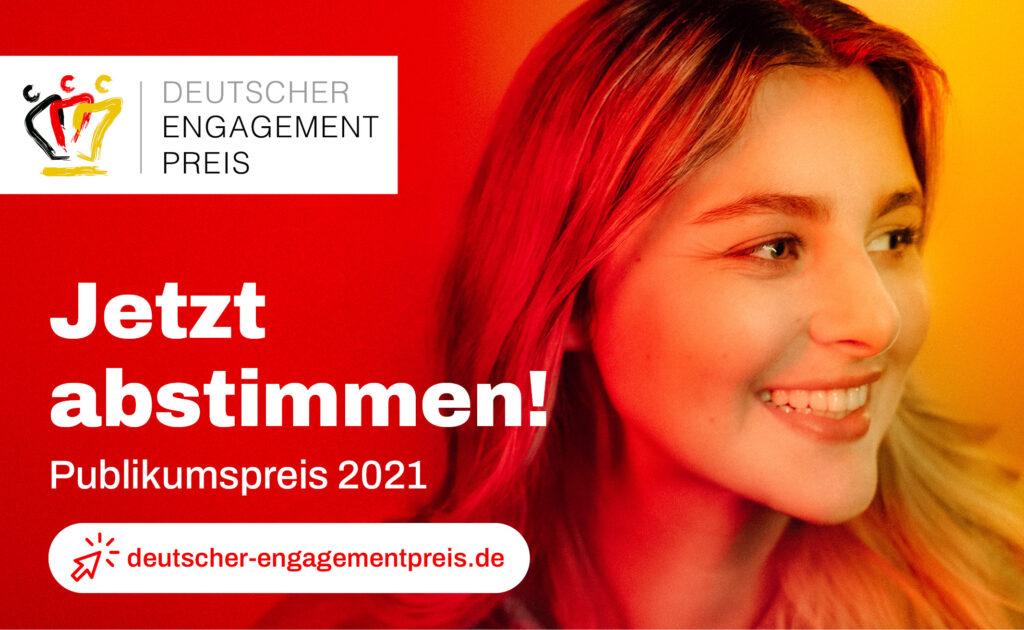 Bild einer lächelnden jungen Frau mit dem Aufruf für den Engagementpreis abzustimmen